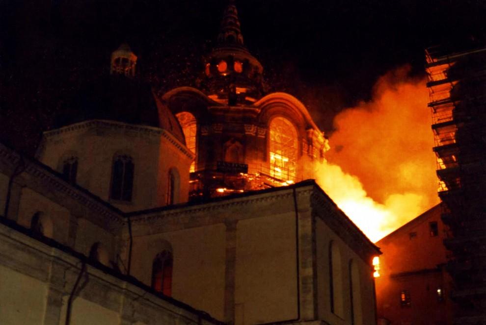 Photo of Torino che brucia, gli incendi più tragici della sua storia (1)