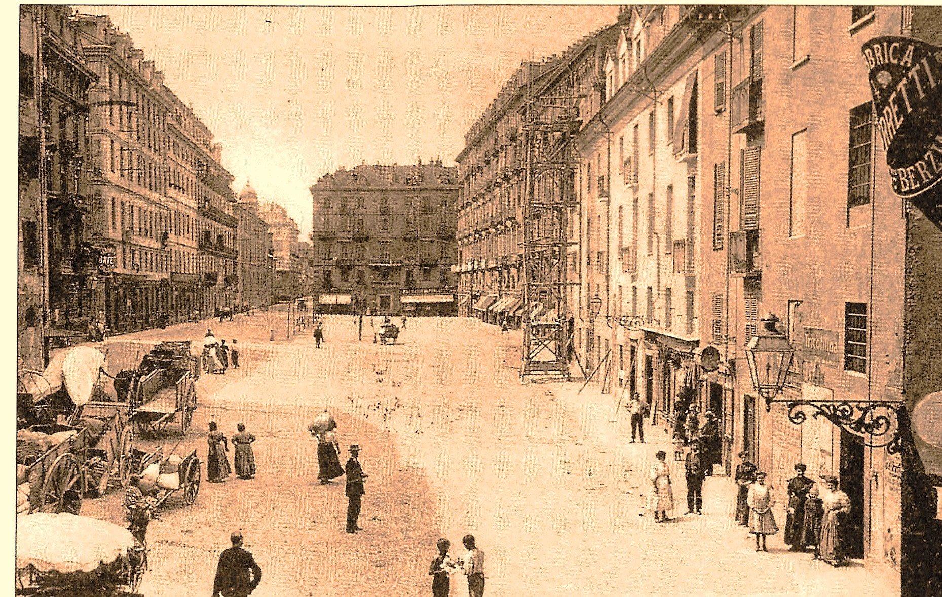 1895 Piazza Giulio ora piazza Emanuele Filiberto dal 1946