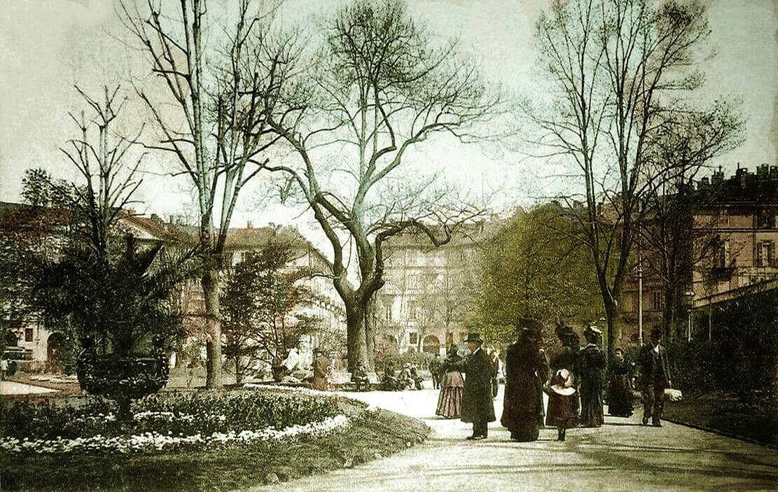 Piazza Carlo Felice…