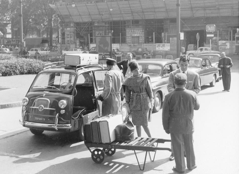 Fiat 600 D Multipla Taxi – Via Nizza all'altezza di Porta Nuova – anno 1960