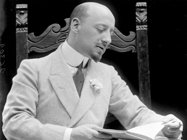 Photo of D'Annunzio, poeta e narratore, ricordato a 80 anni dalla morte