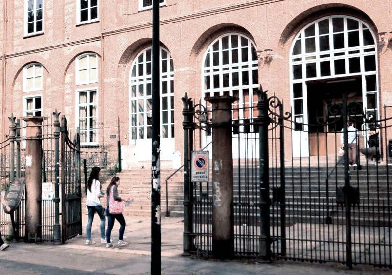 Photo of Aule sovraffollate, torna il numero chiuso ad Economia