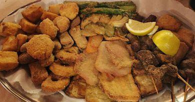 Cena solidale ad Antignano: protagonista è il gran fritto misto alla piemontese