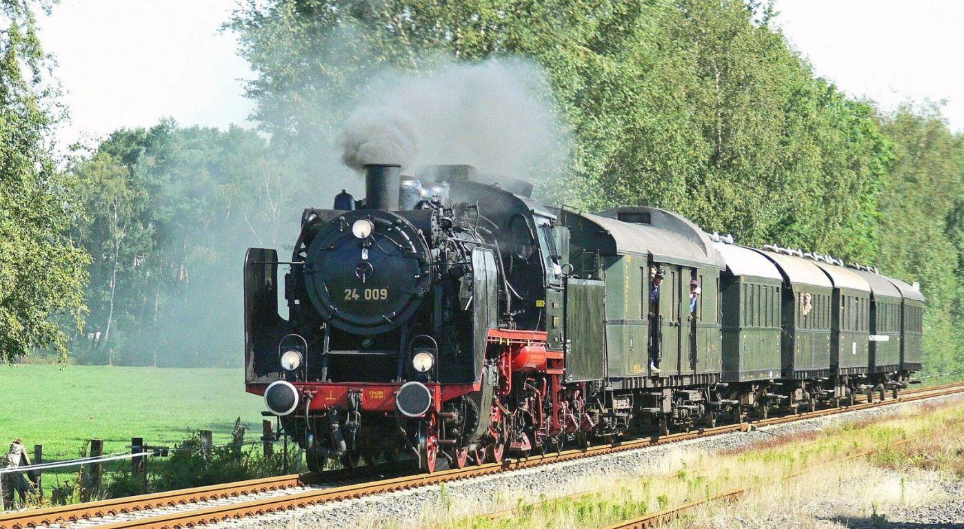 Photo of Da Torino a Saluzzo su un treno a vapore, come i nostri nonni