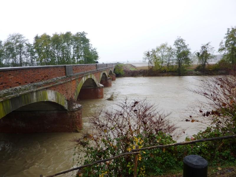 Photo of Dopo una notte di forti piogge, il maltempo concede una tregua: la situazione dei corsi d'acqua
