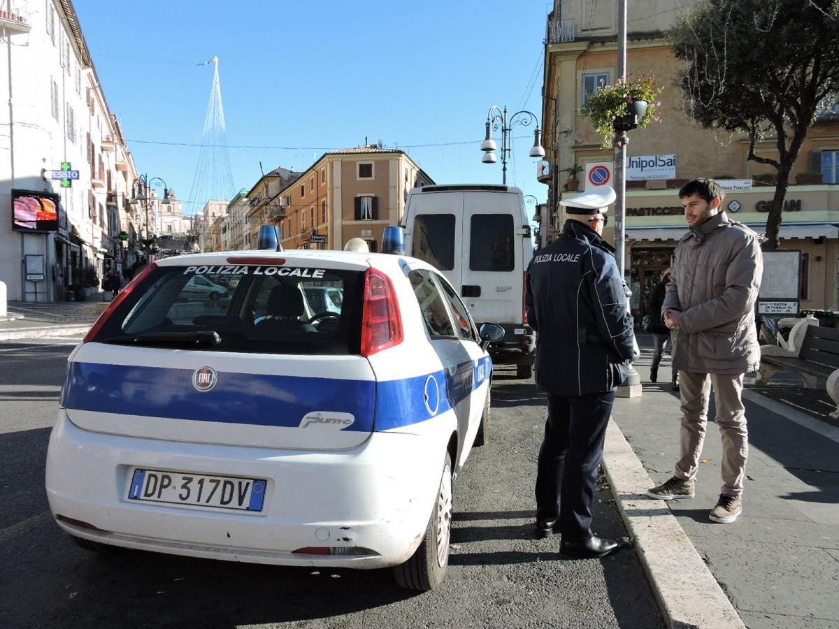 Photo of Da Borgo d'Ale: «Gli automobilisti indisciplinati da noi finiscono sui social»
