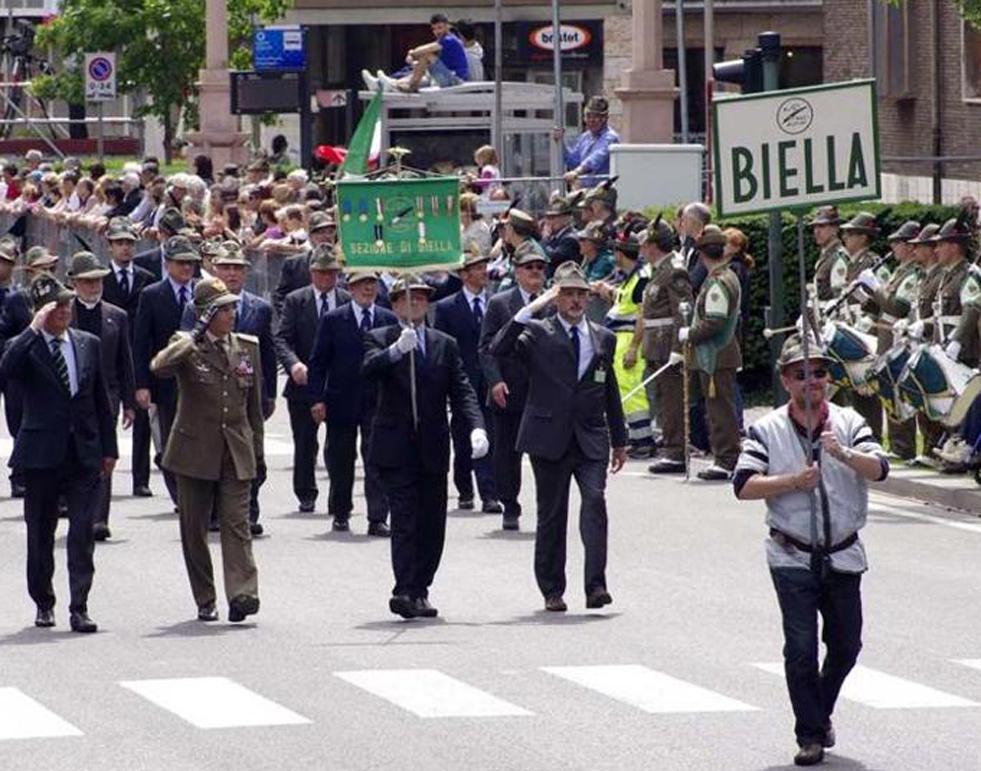 Photo of Biella, in Provincia per parlare di candidatura all'adunata nazionale alpini del 2022