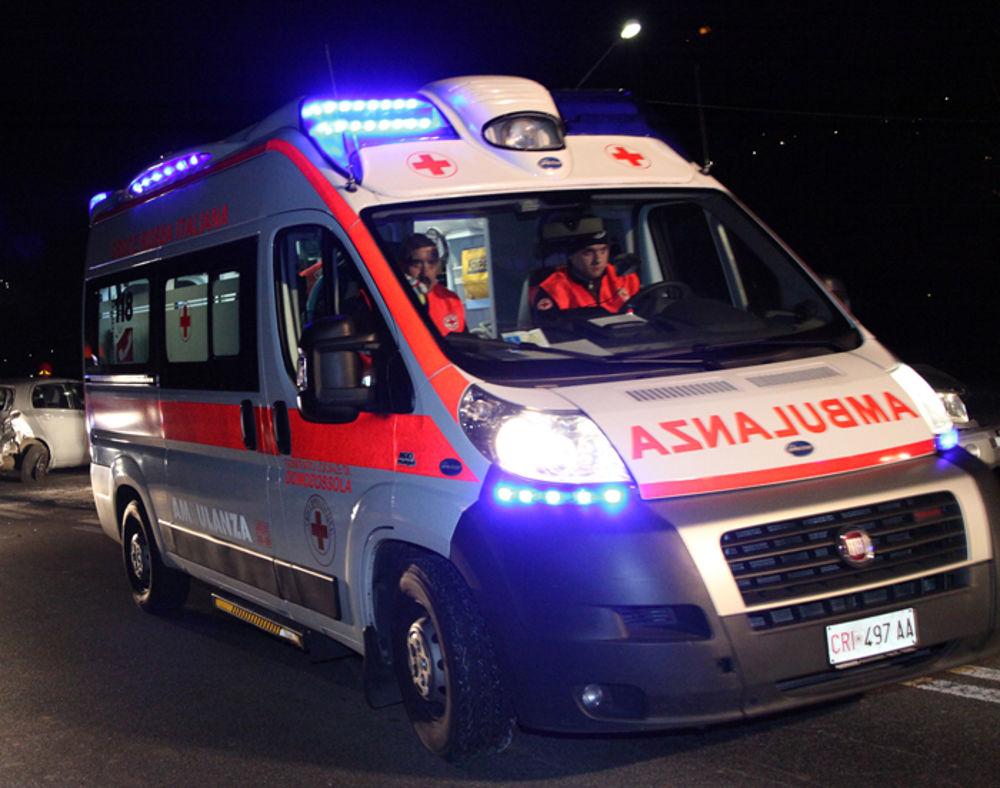 Photo of Schianto in auto, muore ventitreenne a Borgomanero