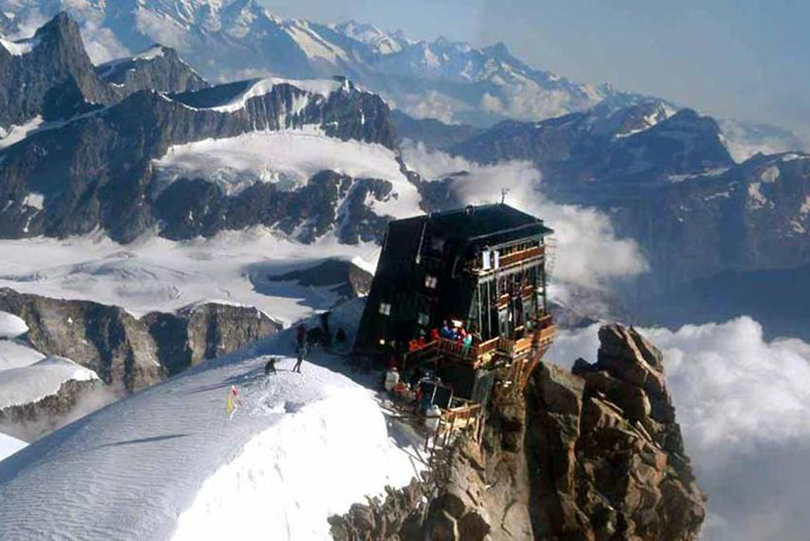 Photo of Sposarsi nel rifugio più alto d'Europa (4.554 metri) e toccare il cielo con un dito