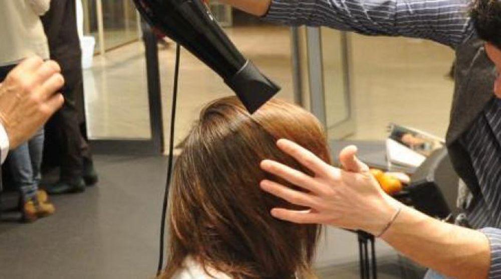 Photo of Parrucchiere ed estetiste diventano punti d'ascolto per le piemontesi vittime di violenza