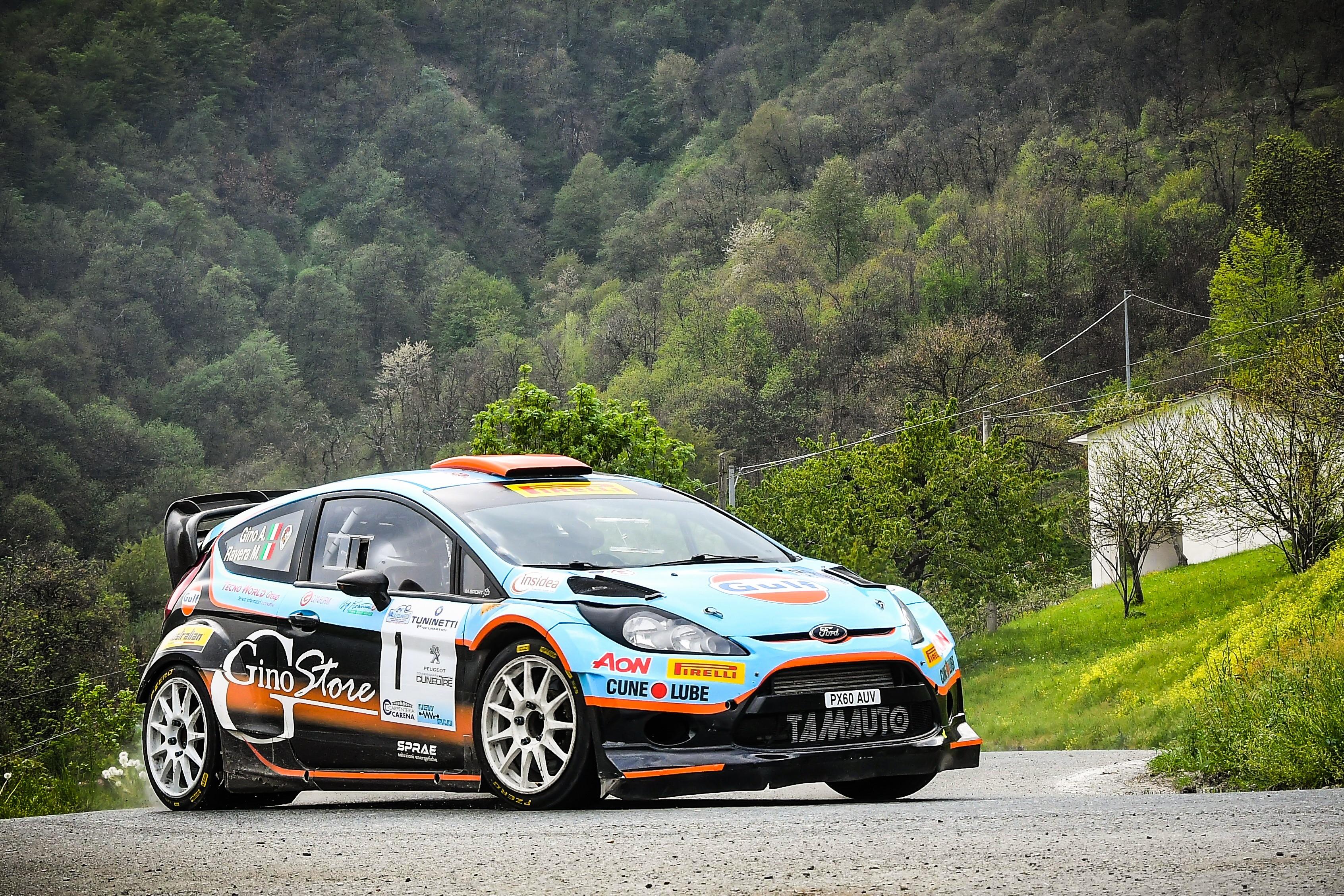 Photo of Rally, nel weekend si accendono i motori nei suggestivi scenari della Langa