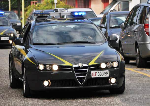 Photo of Vendeva pacchetti viaggi inesistenti, arrestata trentanovenne titolare di un'agenzia astigiana