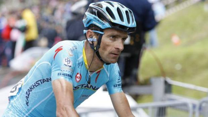 Photo of Una statua al Colle dell'Agnello per ricordare il ciclista Michele Scarponi