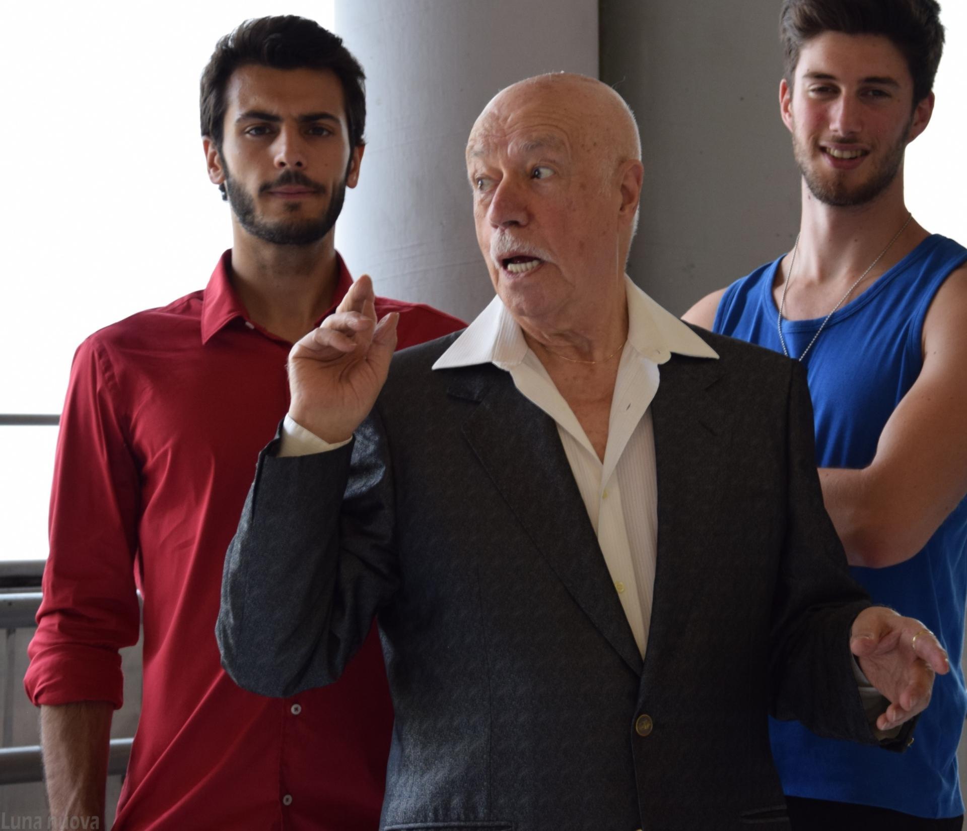 Photo of Piero Nuti in un piacevole percorso teatrale dove invecchiare bene diventa arte