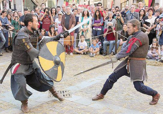 """Photo of """"In guardia!"""", domenica 1 luglio alla Mandria a scoprire i segreti della scherma medievale"""