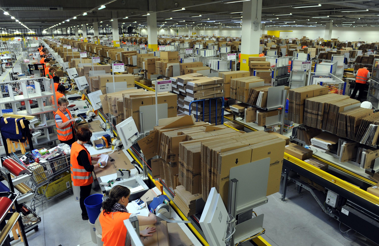 Photo of Amazon, 1700 nuovi posti di lavoro: coinvolti anche i centri di Torino e Vercelli