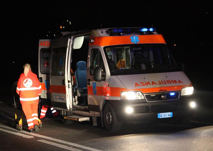 Photo of Grave incidente fra due auto a Casale: muore piastrellista di 42 anni, feriti due coniugi