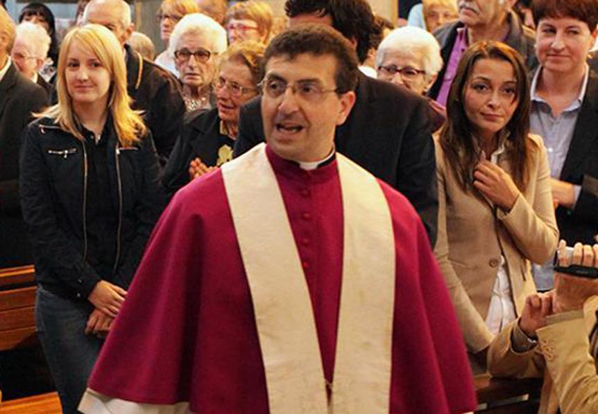 Photo of Don Roberto Farinella è il sedicesimo vescovo della chiesa biellese: l'annuncio stamane