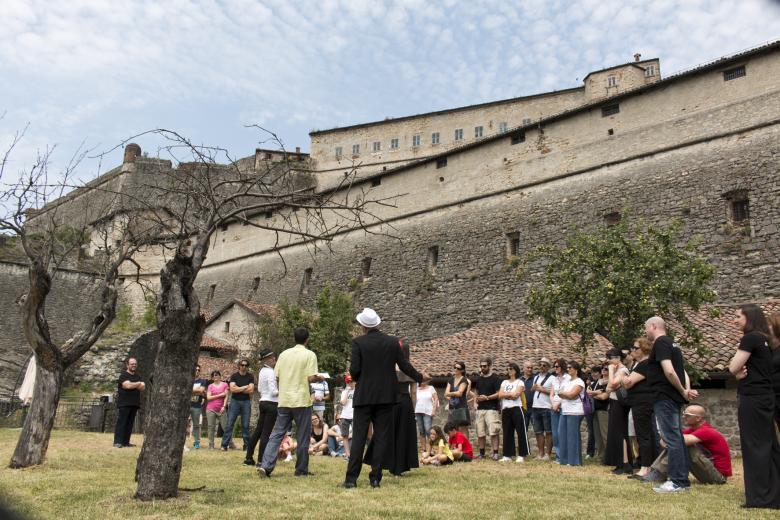 Photo of Teatro itinerante nel Forte di Gavi, anche oggi spettacoli ogni mezz'ora