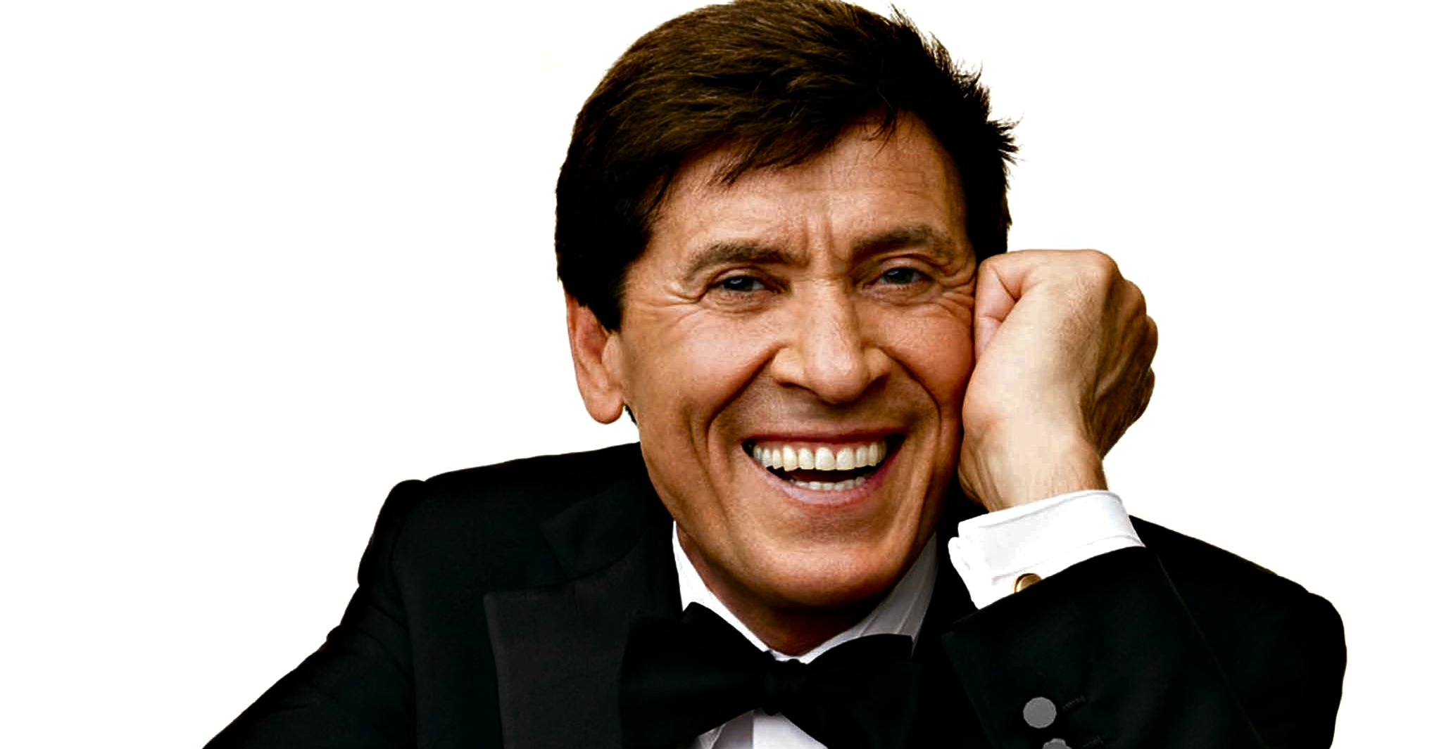 "Photo of Con il tour ""d'amore d'autore"" Gianni Morandi sbarca sabato 21 al Gru Village"