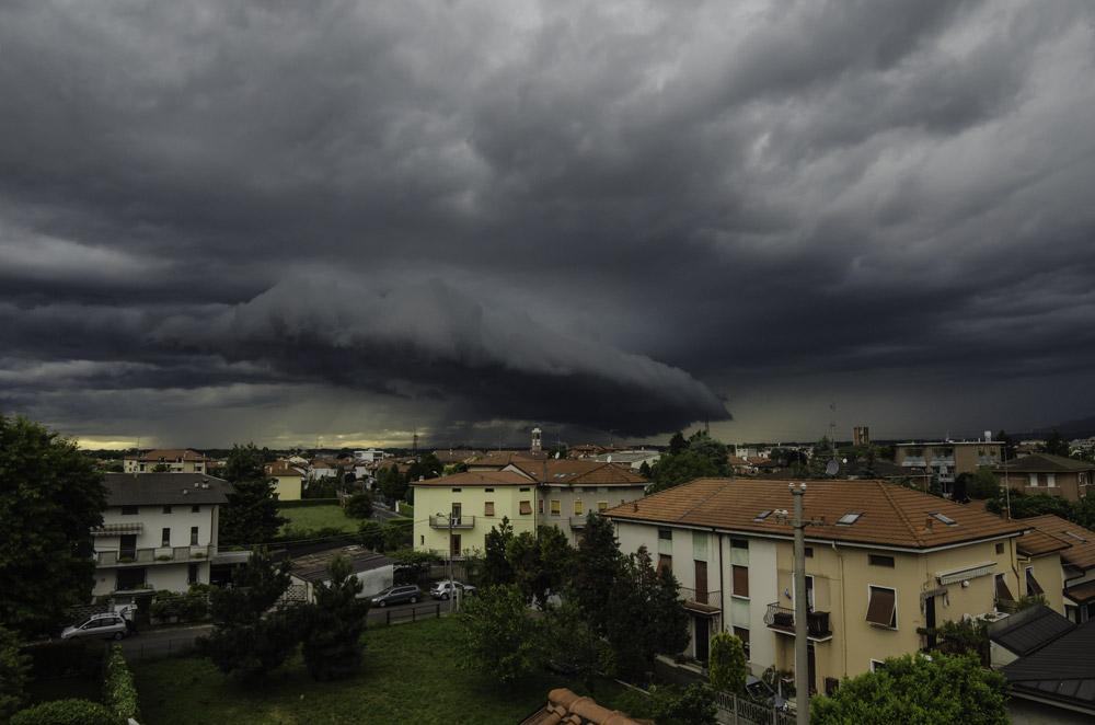 Photo of Temporali, grandine, raffiche di vento: è allerta gialla in Piemonte sino a lunedì sera