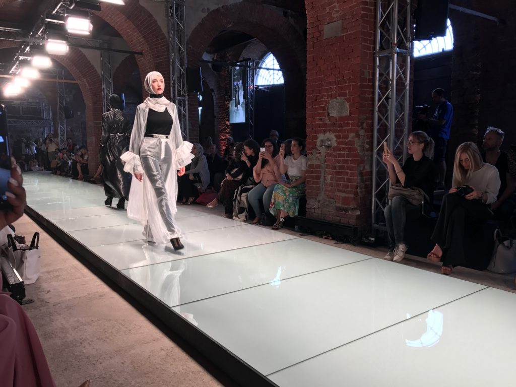 Photo of Al Torino Fashion Week in passerella il torinese Ferrarotto e la moda cinese
