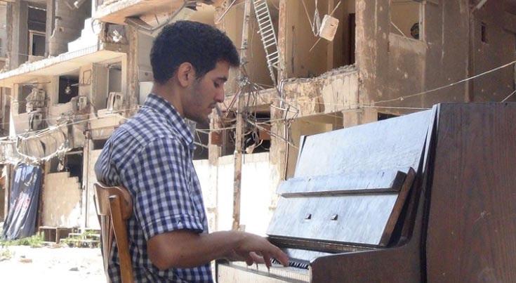 Photo of Ha combattuto l'Isis con la sua musica, mercoledì suonerà per aiutare CasaOz