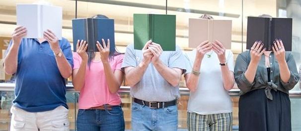Photo of Ascoltare un libro, invece di sfogliarlo: la seconda edizione della biblioteca vivente a Torre Pellice
