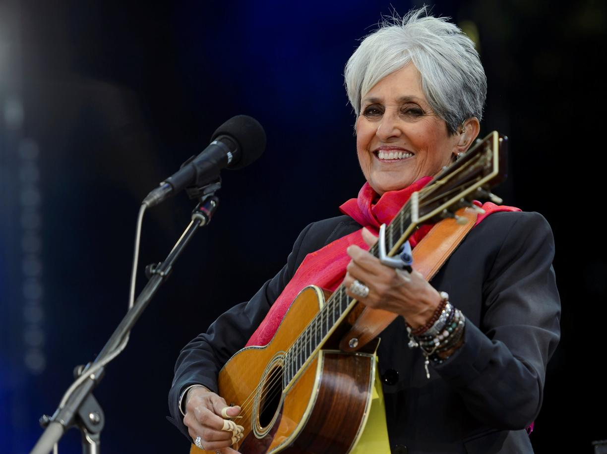 Photo of Pollenzo, intervista all'usignolo Joan Baez: sono pronta a dire addio ai palcoscenici