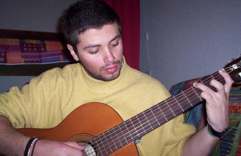 Photo of Fabrizio Catalano è scomparso 13 anni fa, ma i genitori continuano a cercarlo