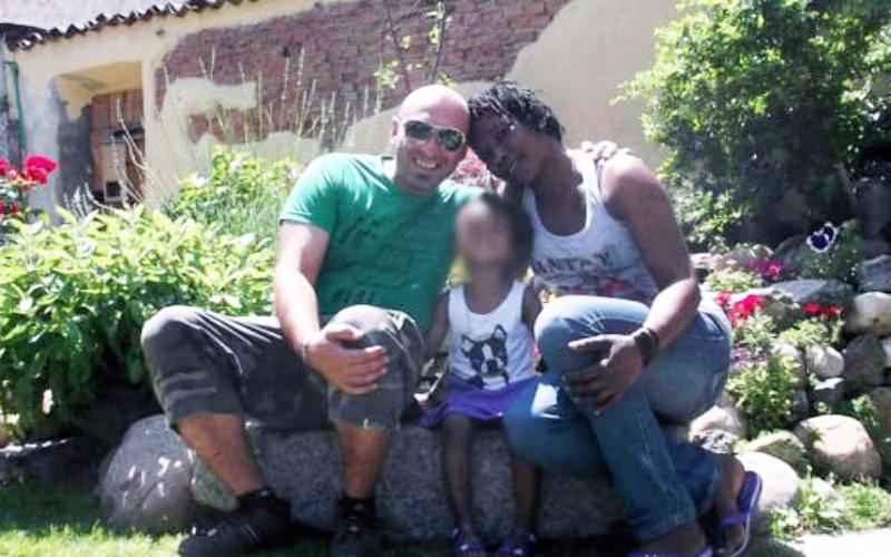 Photo of Sabato mattina ad Oleggio le esequie della famiglia morta sul viadotto genovese