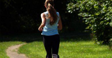 Parco delle Vallere, cerca di stuprare una donna mentre fa jogging: arrestato