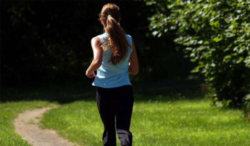 Photo of Parco delle Vallere, cerca di stuprare una donna mentre fa jogging: arrestato
