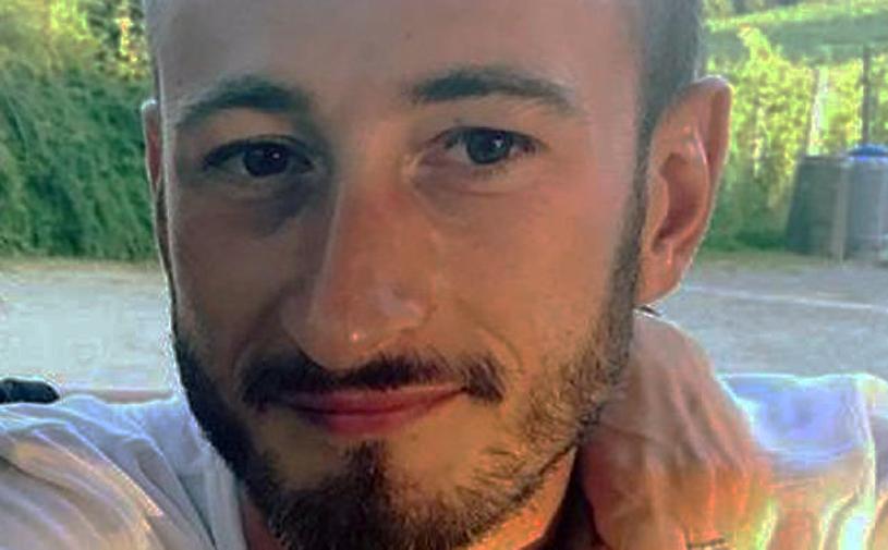 Photo of La Morra, giovane di 29 anni muore schiacciato dal muletto che si ribalta