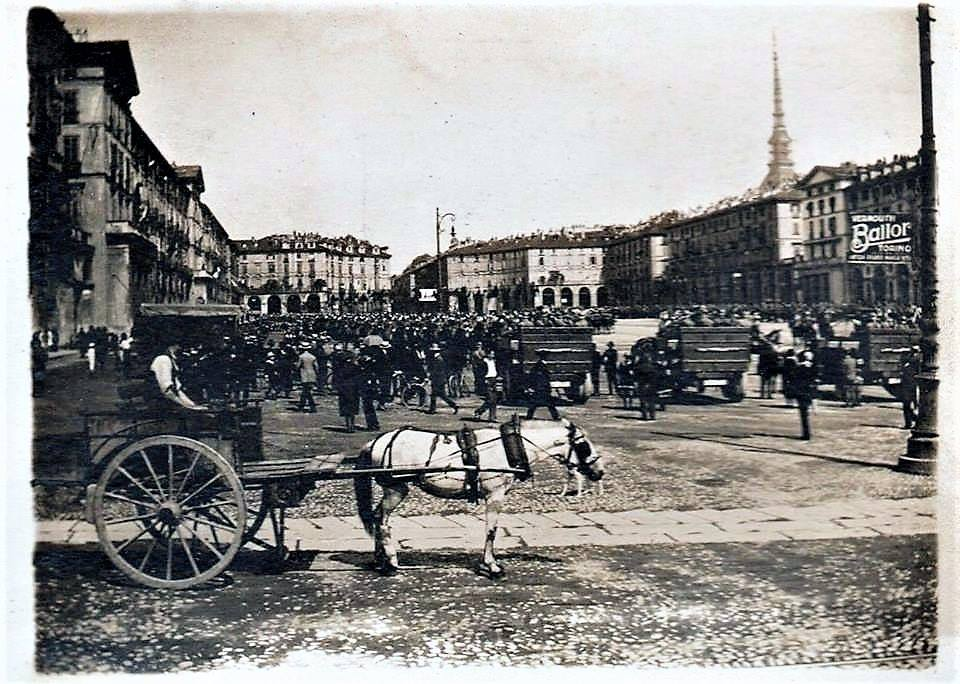1944 – Torino – Piazza Vittorio