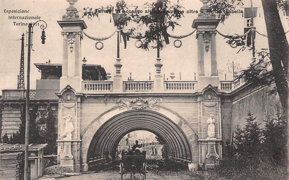 Esposizione di Torino 1911 – Tunnel di accesso all'Esposizione oltre il Ponte Isabella