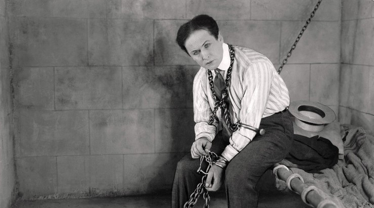 Photo of Il grande Houdini torna ad essere protagonista al Circolo Amici della Magia
