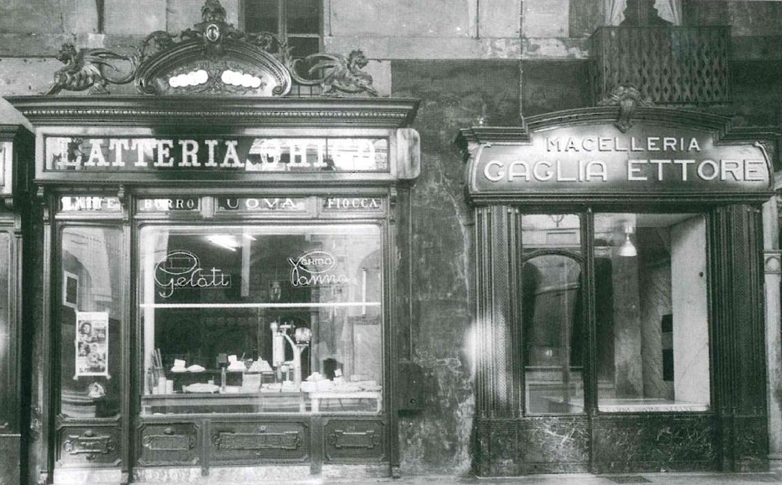 """Photo of Il libidinoso caffè con panna della storica """"Latteria Ghigo"""" sotto i portici di via Po"""