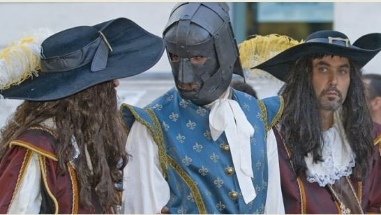 Photo of Pinerolo, dopo un anno di assenza torna a riecheggiare la leggenda della Maschera di ferro