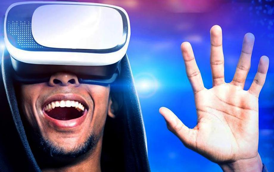 Photo of Una spettacolare cupola geodetica per divertirsi con la realtà virtuale