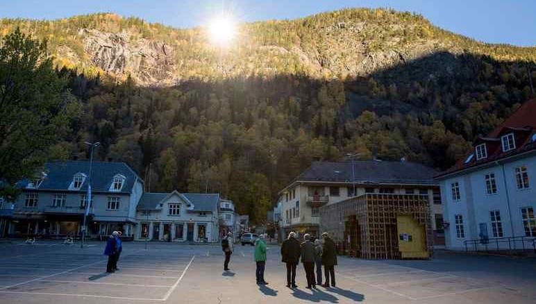 Photo of La scienza in soccorso di Viganella, il paese dove non batte mai il sole