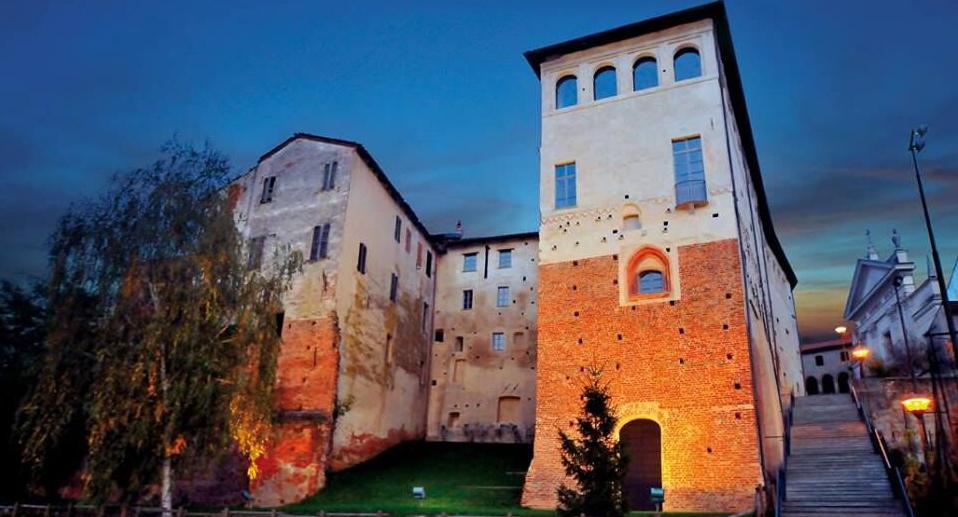 """Photo of Alla scoperta dei """"sette castelli"""" di Buronzo e delle terre di Baraggia, la """"savana"""" piemontese"""