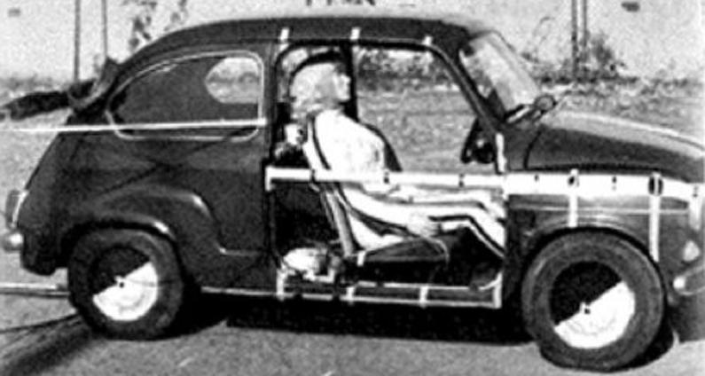 Photo of Cinquant'anni fa si sperimentavano per la prima volta gli airbag: i test a Torino su una Fiat 600