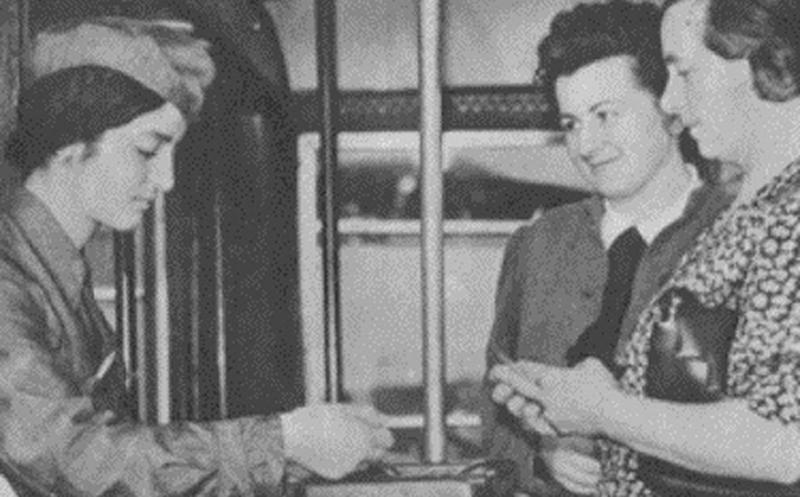 Photo of Tempo di guerra, arrivano le donne a fare le bigliettaie sui tram e le portalettere