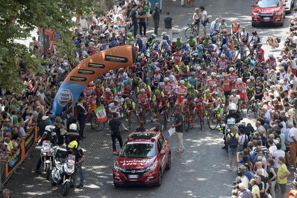 """Photo of Da Racconigi a Stupinigi, tanti big del ciclismo alla """"Gran Piemonte"""" tra le residenze sabaude"""