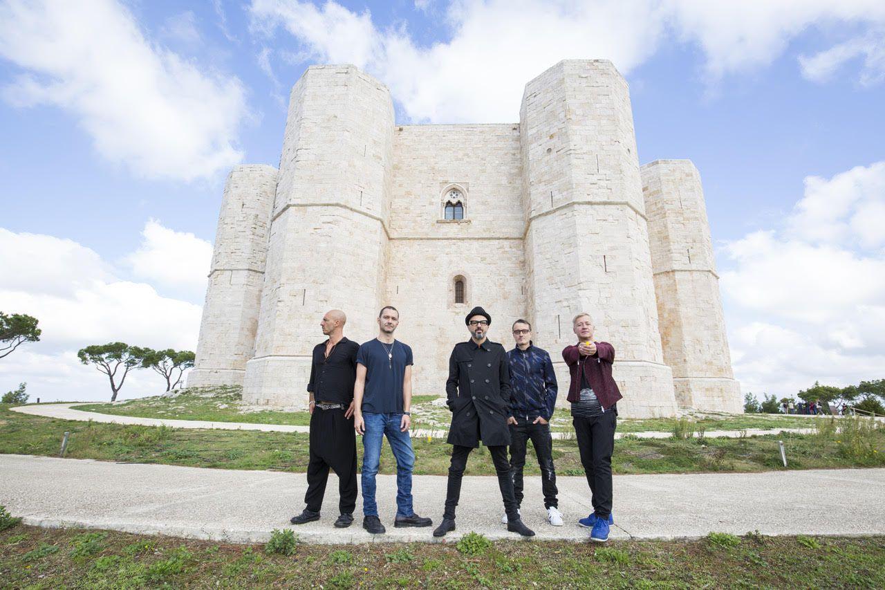 """Photo of E' uscito """"8"""" il nuovo album della band torinese dei Subsonica"""