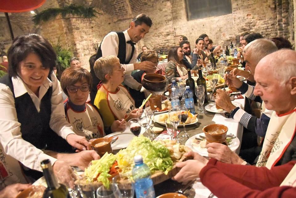"""Photo of In attesa del """"Bagna Cauda Day"""", un po' di storia della tipica salsa calda piemontese"""