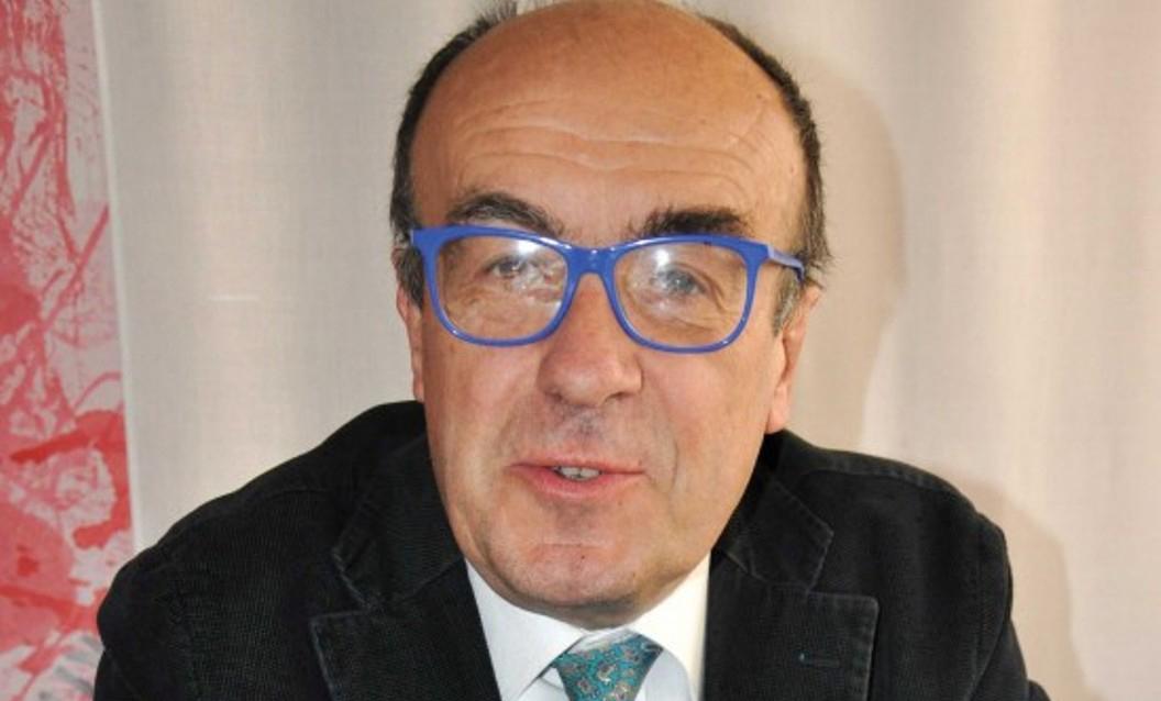 """Photo of Divagazioni tra scienza e filosofia  di Vittorio Marchis """"sull'autopsia"""" di una macchina da caffè"""
