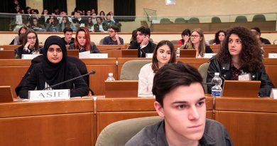 Come avvicinarsi al mondo delle istituzioni: un libro della Regione rivolto ai giovani