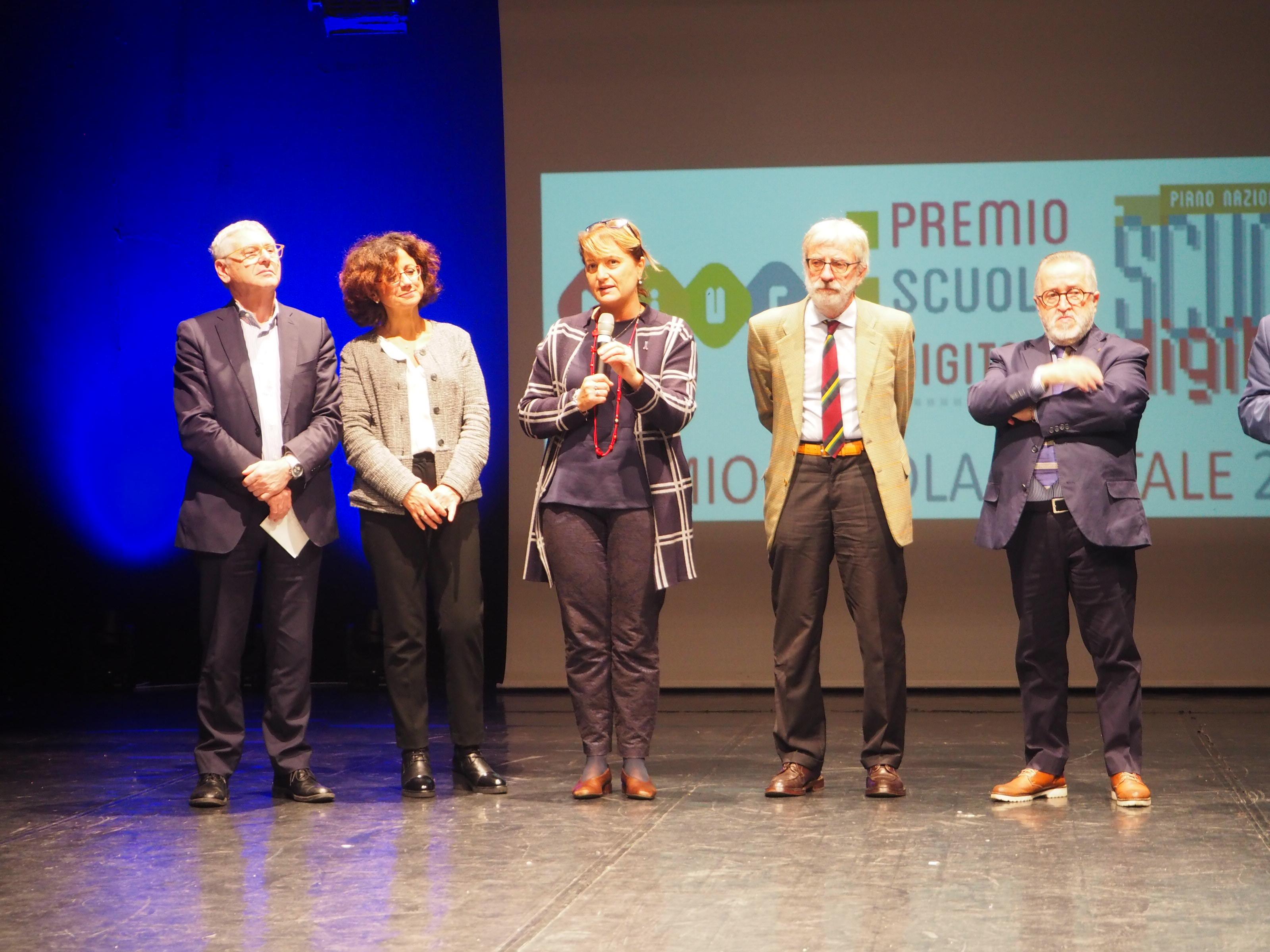 """Photo of Il """"Premio scuola digitale 2018"""" va all'Istituto Rita Levi Montalcini di Acqui Terme"""